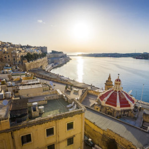 lg_adobestock_sunrise_at_the_grand_harbour_of_malta_with_the_ancient_walls_of_valletta_115648395_zoltangabor_jpeg_online_800x600